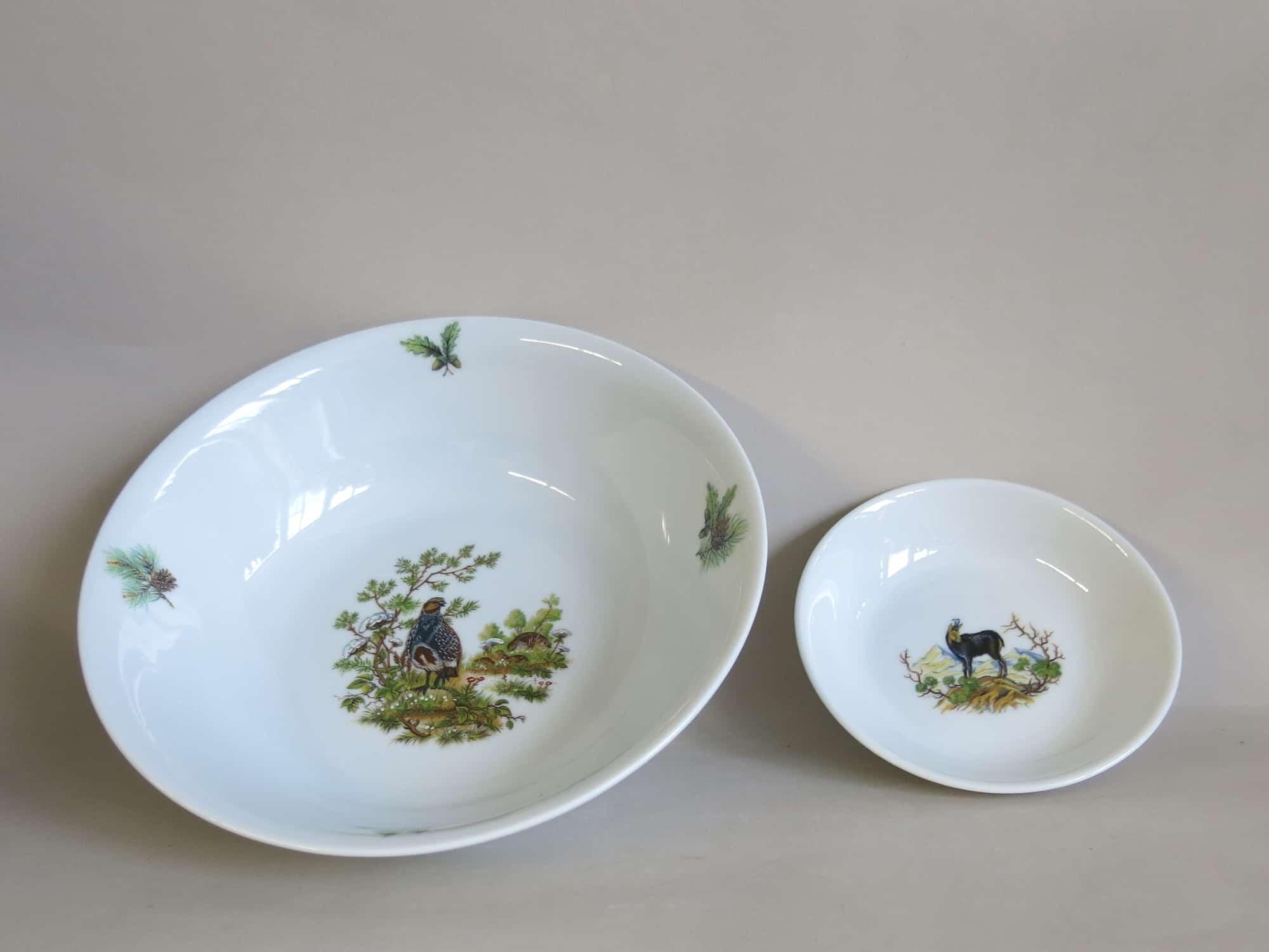 Glatte Porzellanschüssel Olympia 23 cm mit Rebhuhn und 13 cm mit Gemse